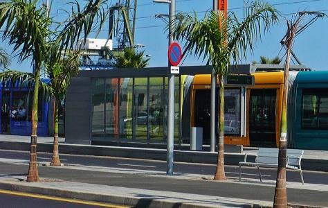 Santa Cruz de Tenerife: Straßenbahnendhalt am Busbahnhof