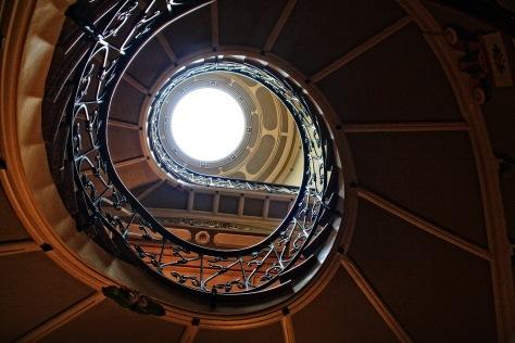 Stufen 9